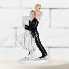 Sagoma di Sposa in Braccio allo Sposo